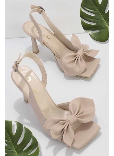 Bambi Klasik Topuklu Ayakkabı Ten